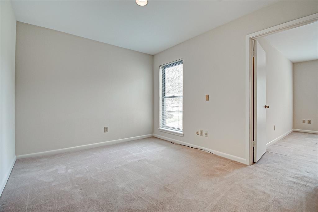 Option Pending   330 W Fair Harbor Lane Houston, Texas 77079 33
