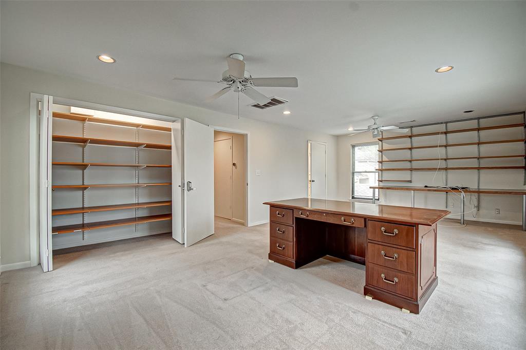 Option Pending   330 W Fair Harbor Lane Houston, Texas 77079 39