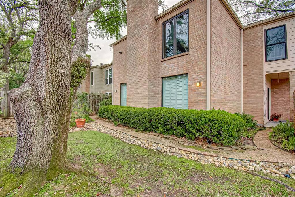Option Pending   330 W Fair Harbor Lane Houston, Texas 77079 43