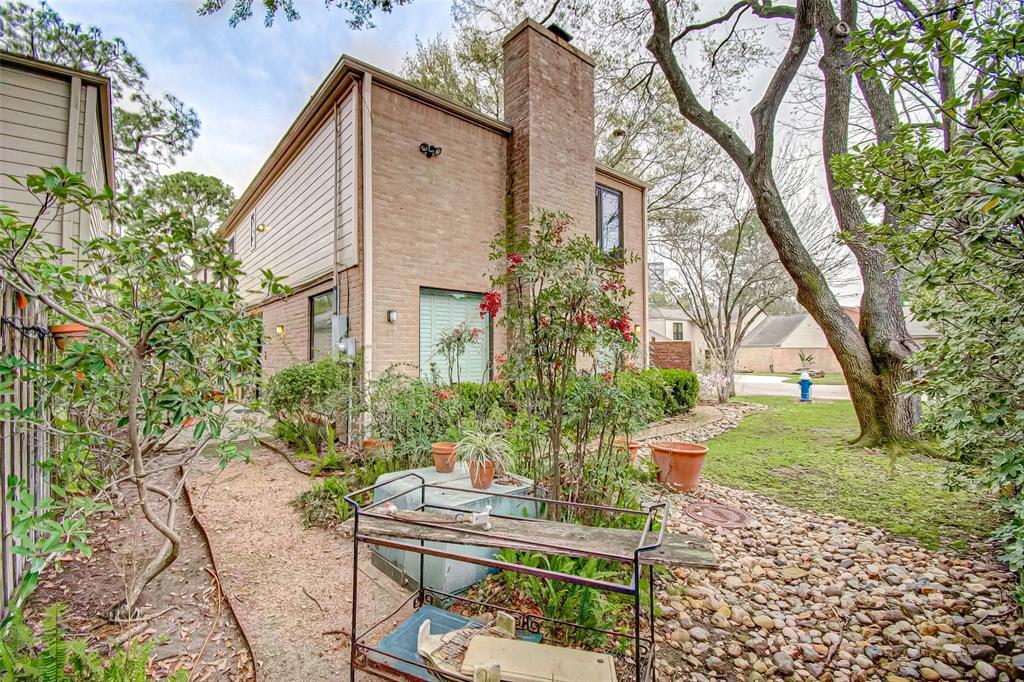 Option Pending   330 W Fair Harbor Lane Houston, Texas 77079 47
