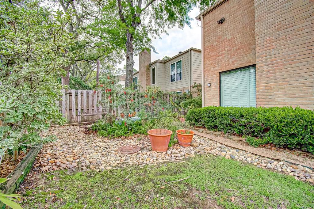Option Pending   330 W Fair Harbor Lane Houston, Texas 77079 48