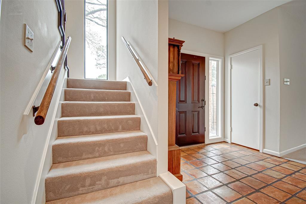 Option Pending   330 W Fair Harbor Lane Houston, Texas 77079 8