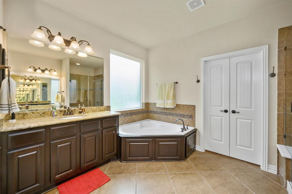 Active | 31 Golden Orchard  Place The Woodlands, TX 77354 14