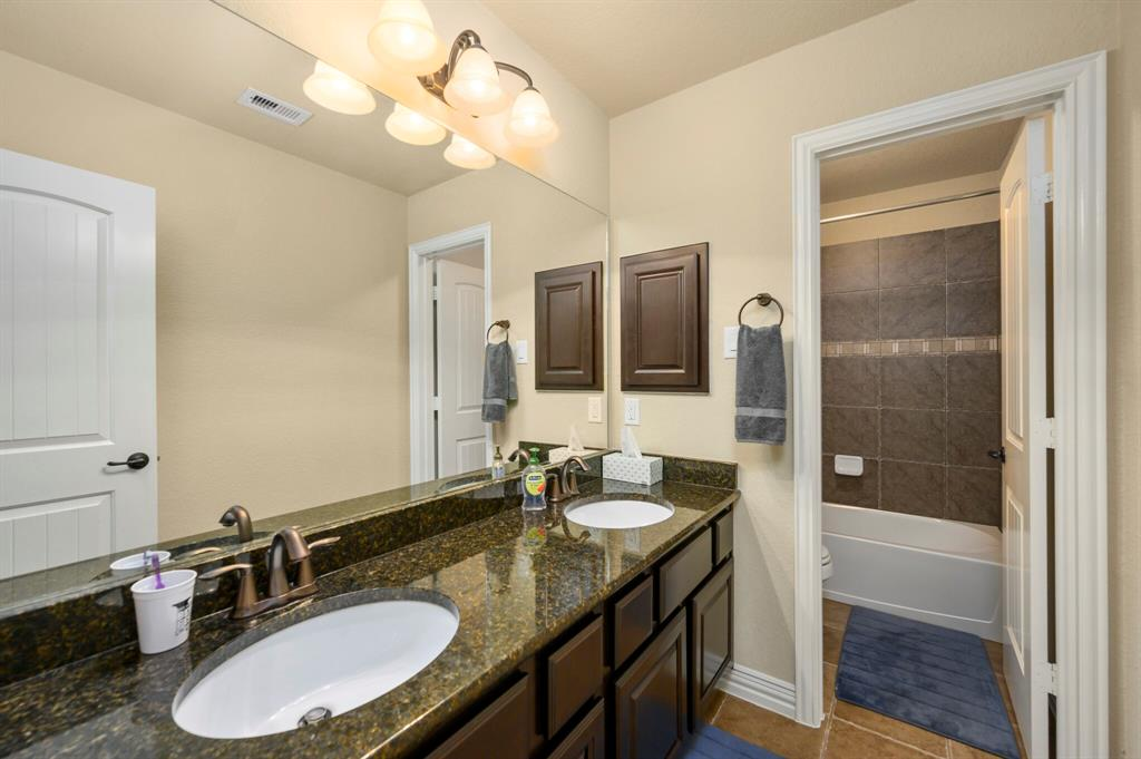 Active | 31 Golden Orchard  Place The Woodlands, TX 77354 23