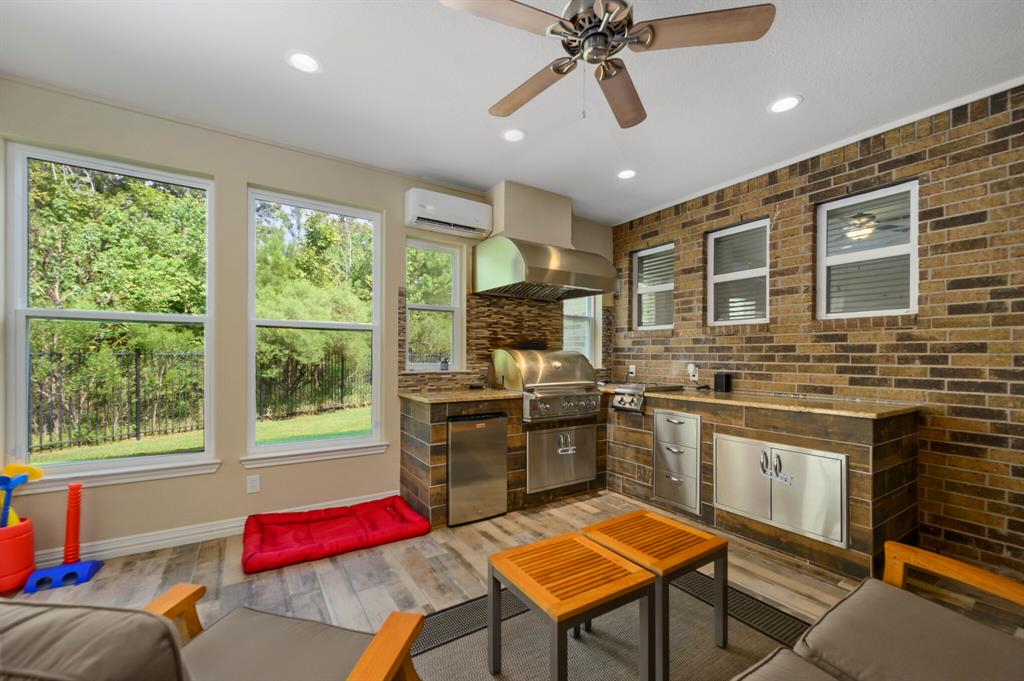 Active | 31 Golden Orchard  Place The Woodlands, TX 77354 25