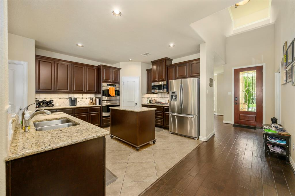 Active | 31 Golden Orchard  Place The Woodlands, TX 77354 6