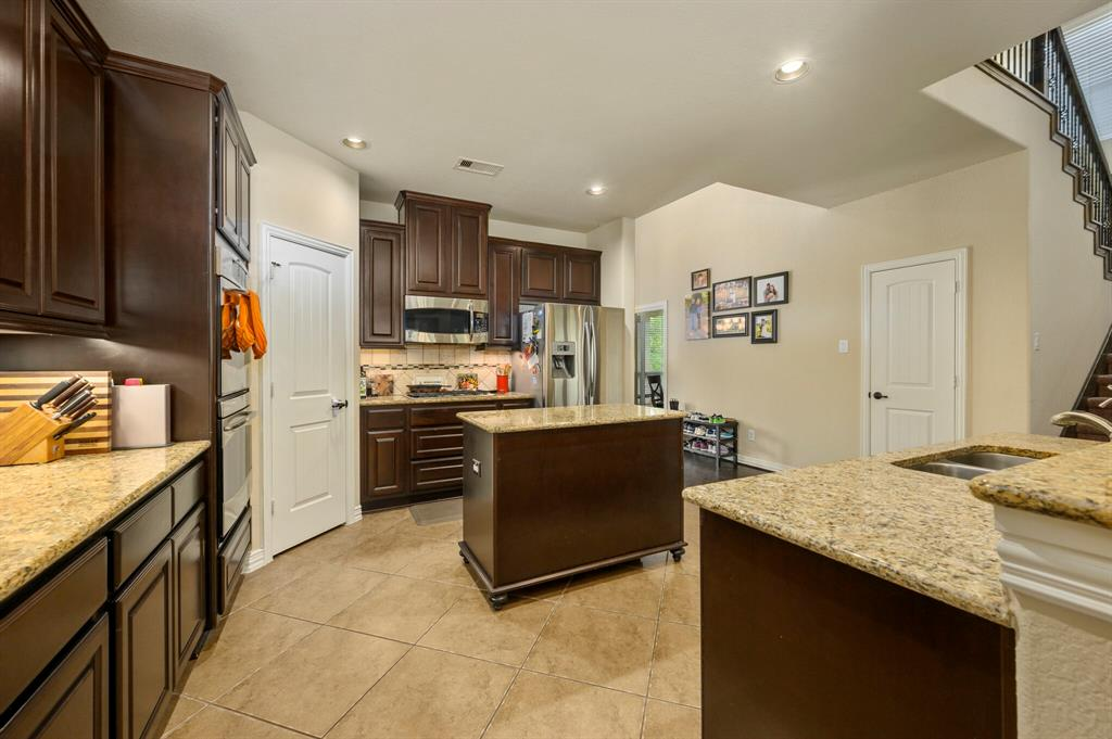 Active | 31 Golden Orchard  Place The Woodlands, TX 77354 7