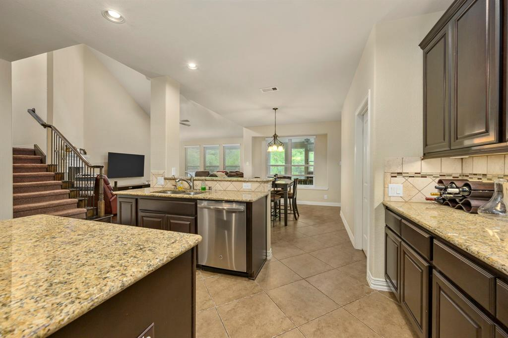 Active | 31 Golden Orchard  Place The Woodlands, TX 77354 8
