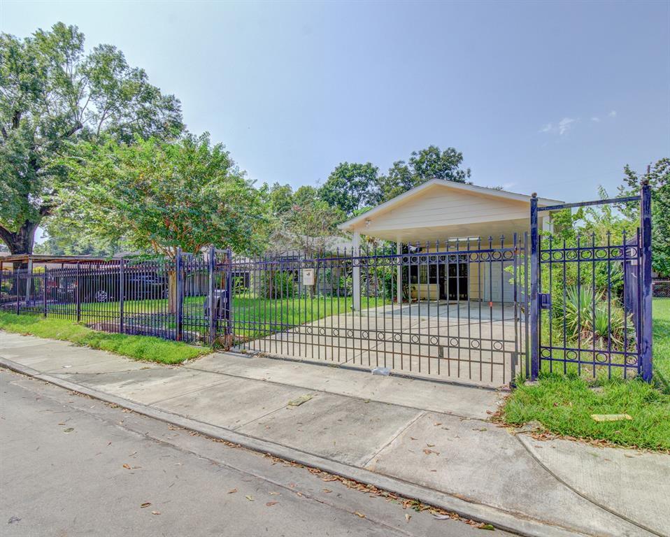 Active | 1835 Lynnview Drive Houston, Texas 77055 0