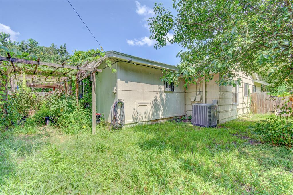 Active | 1835 Lynnview Drive Houston, Texas 77055 23