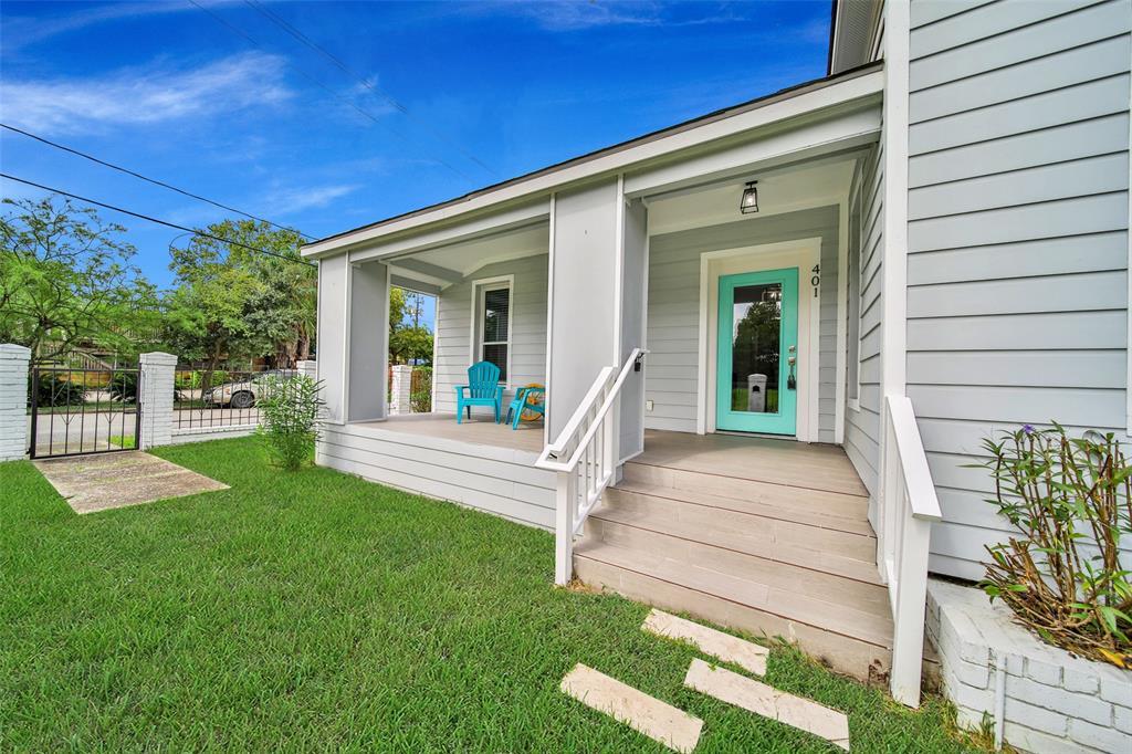 Active | 401 Walton Street Houston, Texas 77009 3