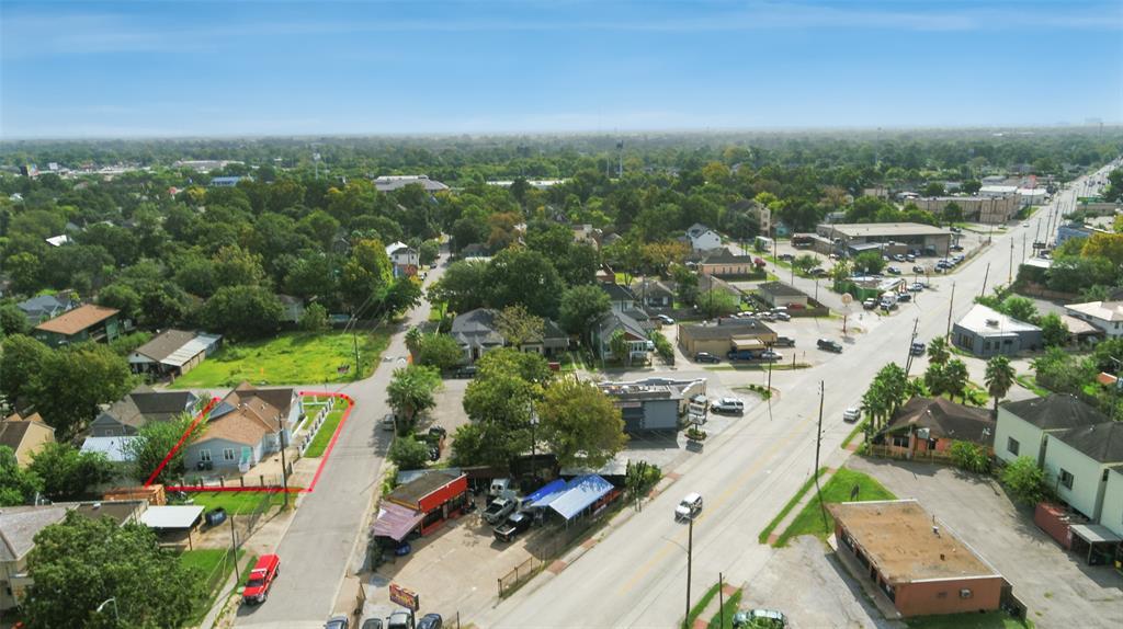 Active | 401 Walton Street Houston, Texas 77009 40