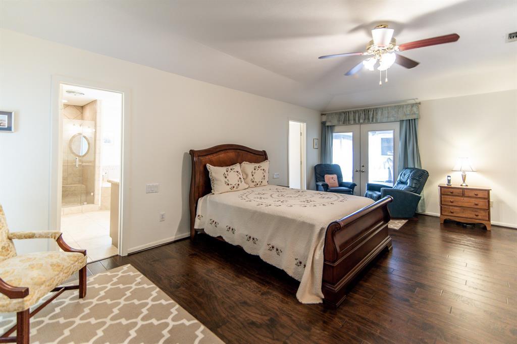 Active | 400 Broadmoor  Drive Huntsville, TX 77340 11