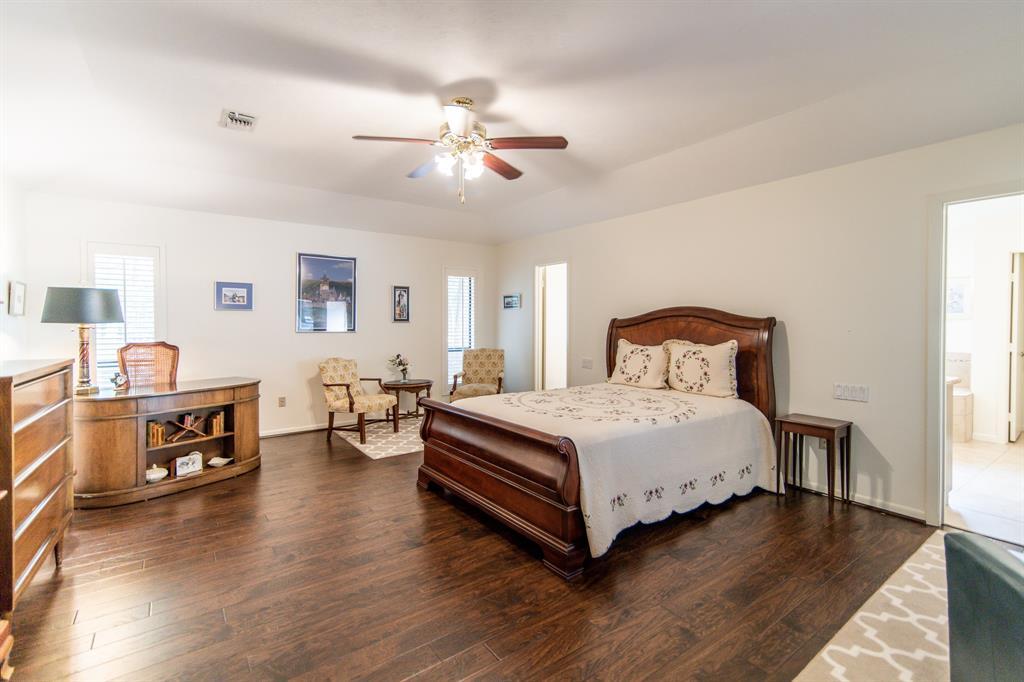 Active | 400 Broadmoor  Drive Huntsville, TX 77340 12