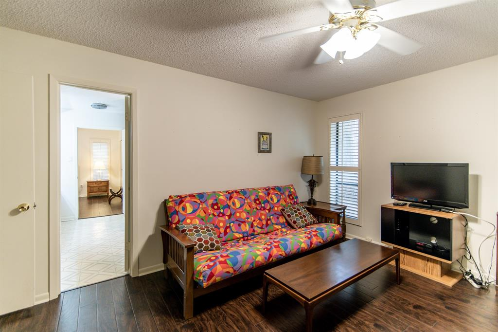 Active | 400 Broadmoor  Drive Huntsville, TX 77340 18