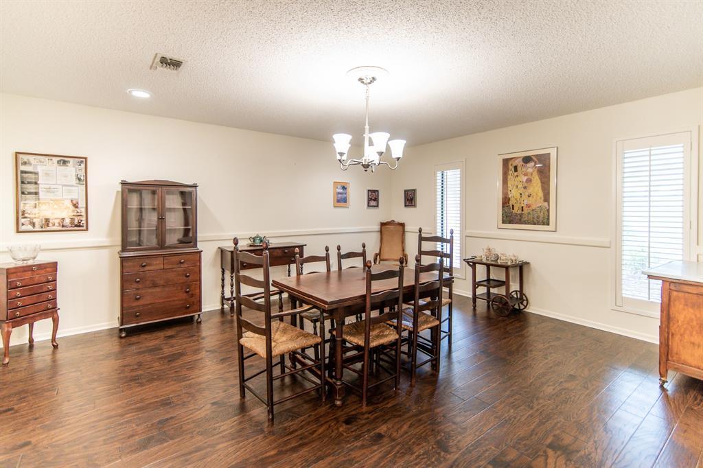 Active | 400 Broadmoor  Drive Huntsville, TX 77340 5