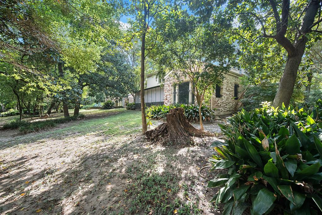 Active | 12961 Greens Bayou Street Houston, Texas 77015 14