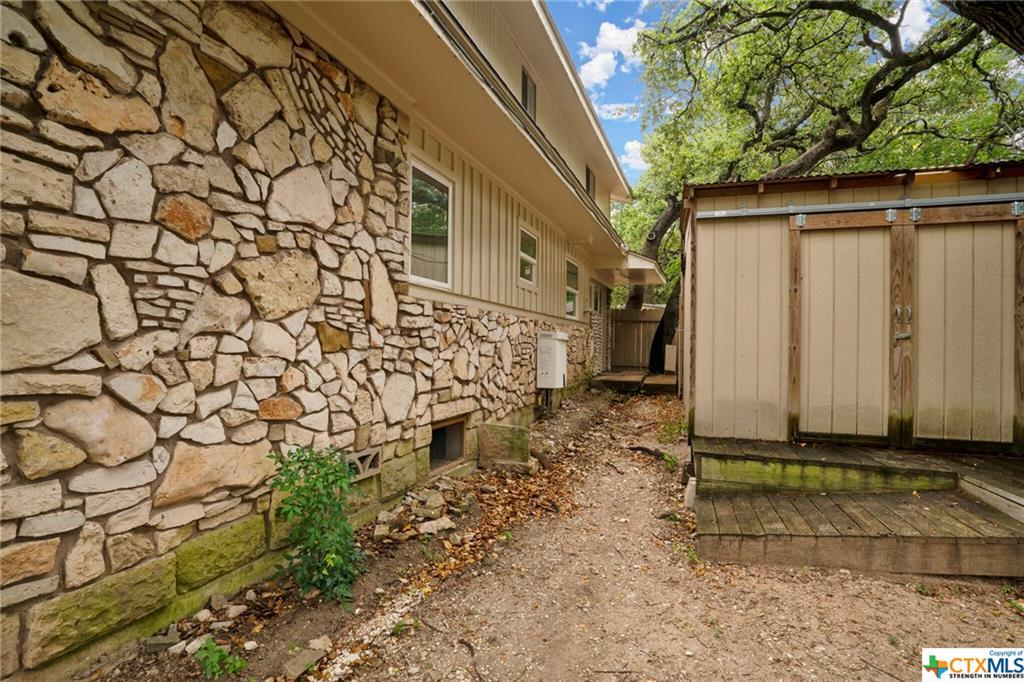 Sold Property | 100 Beaver  Street Austin, TX 78753 17