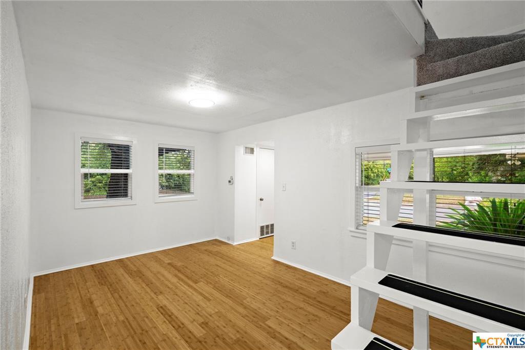 Sold Property | 100 Beaver  Street Austin, TX 78753 2