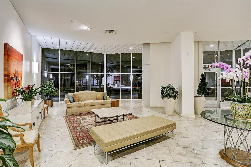 Active | 5050 Woodway Drive #3L Houston, Texas 77056 16