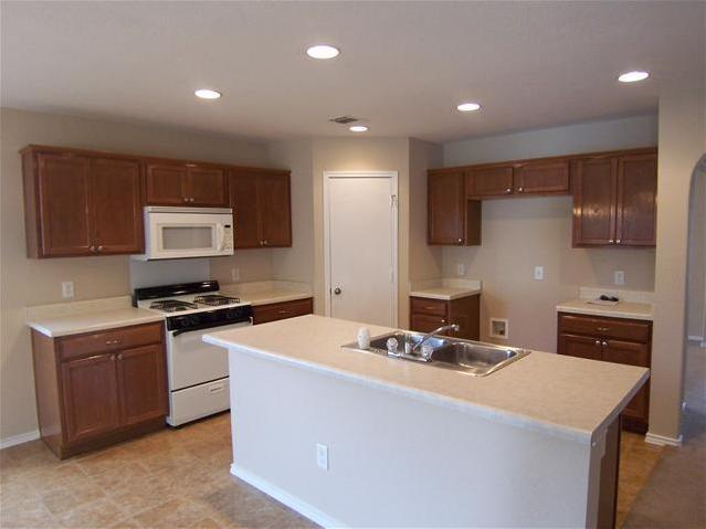 Leased   600 Red Tails  Austin, TX 78725 7