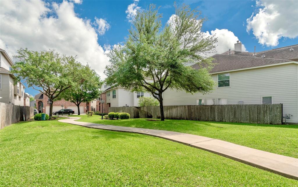 Active | 6222 Skyline Drive #33 Houston, Texas 77057 25