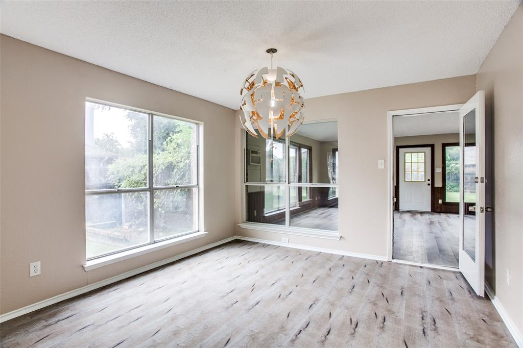 Sold Property | 4926 Oak Hollow Drive Grand Prairie, Texas 75052 12