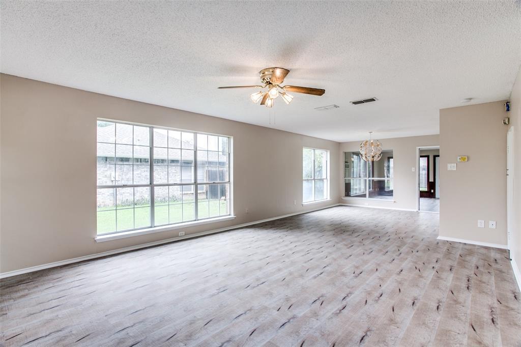 Sold Property | 4926 Oak Hollow Drive Grand Prairie, Texas 75052 15