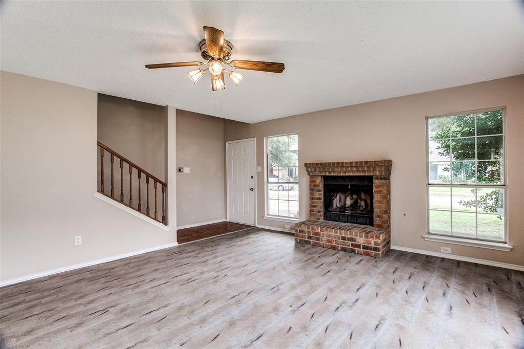 Sold Property | 4926 Oak Hollow Drive Grand Prairie, Texas 75052 3