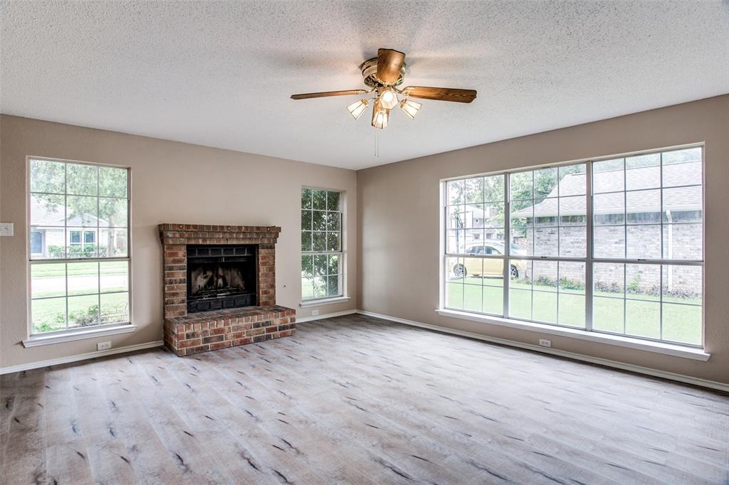 Sold Property | 4926 Oak Hollow Drive Grand Prairie, Texas 75052 4