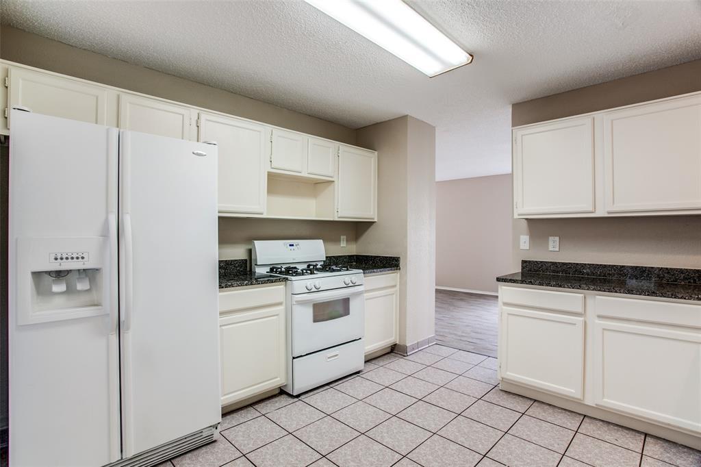 Sold Property | 4926 Oak Hollow Drive Grand Prairie, Texas 75052 6