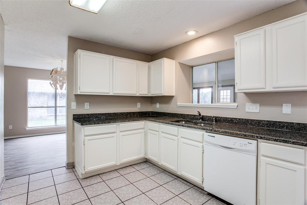 Sold Property | 4926 Oak Hollow Drive Grand Prairie, Texas 75052 7