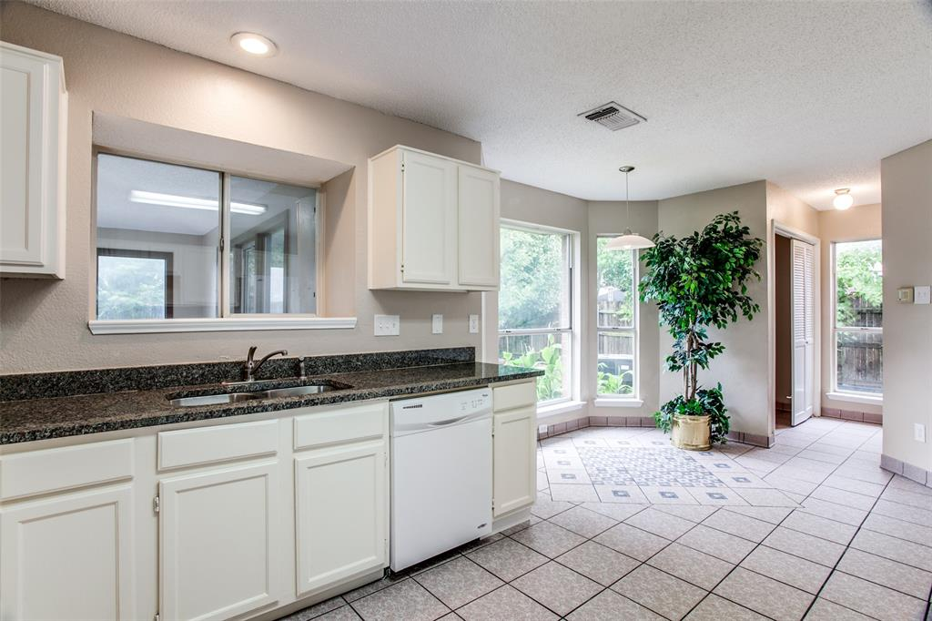 Sold Property | 4926 Oak Hollow Drive Grand Prairie, Texas 75052 8