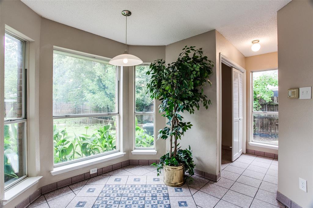 Sold Property | 4926 Oak Hollow Drive Grand Prairie, Texas 75052 9