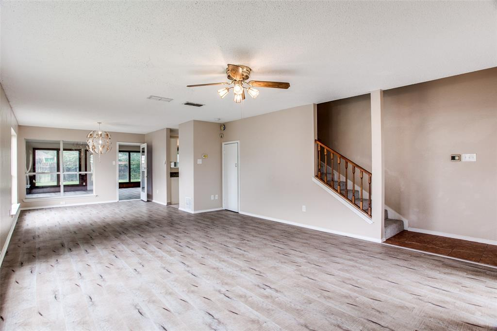 Sold Property | 4926 Oak Hollow Drive Grand Prairie, Texas 75052 10