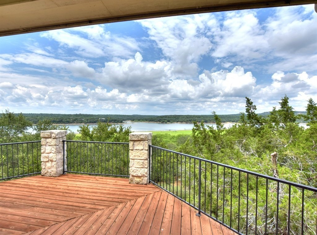 Sold Property | 621 Wesley Ridge Drive Spicewood, TX 78669 3