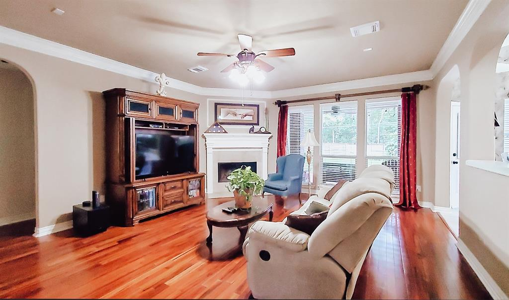 Active   127 S Bluff Creek  Circle The Woodlands, TX 77382 1