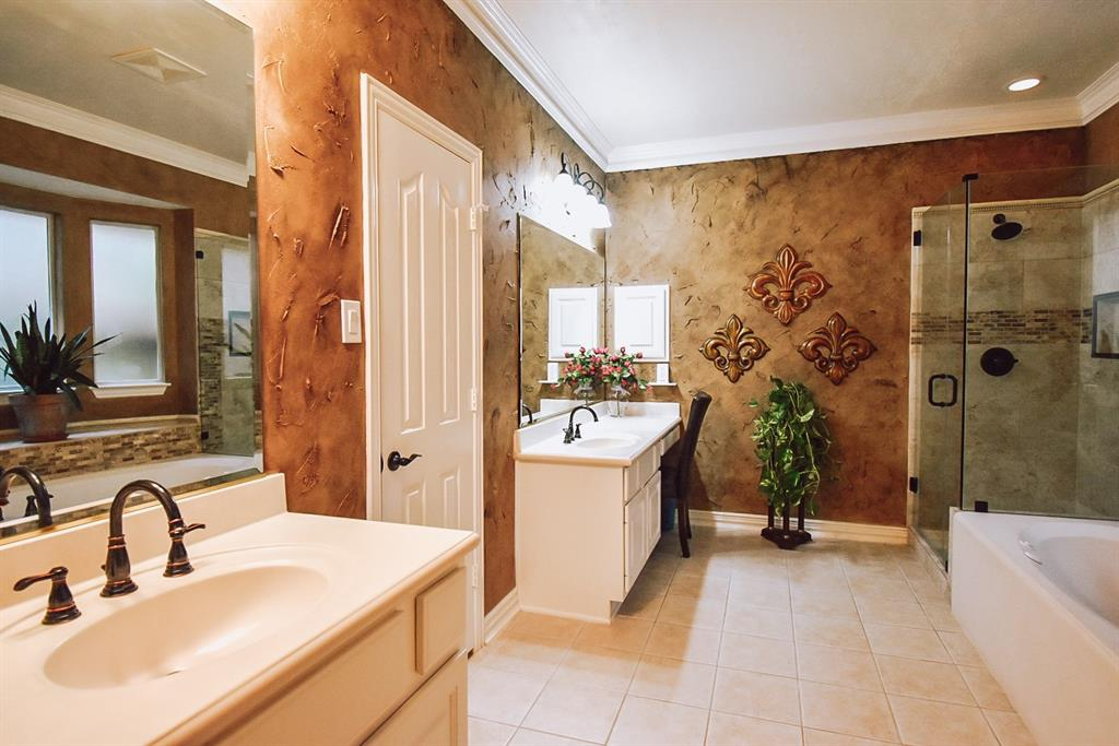 Active   127 S Bluff Creek  Circle The Woodlands, TX 77382 12