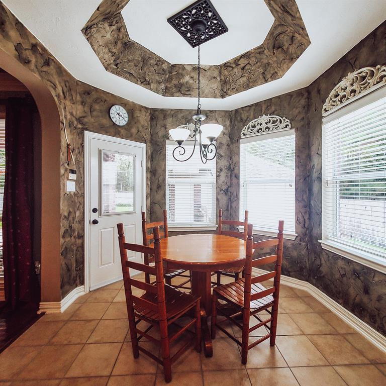 Active   127 S Bluff Creek  Circle The Woodlands, TX 77382 15