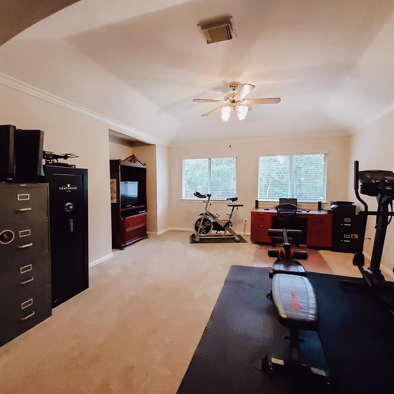 Active   127 S Bluff Creek  Circle The Woodlands, TX 77382 17