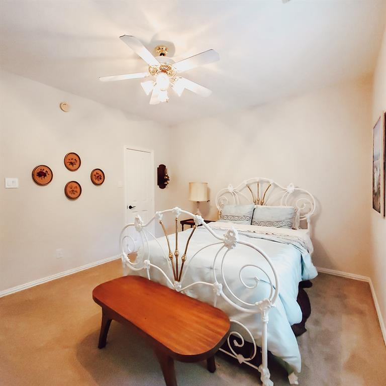 Active   127 S Bluff Creek  Circle The Woodlands, TX 77382 18