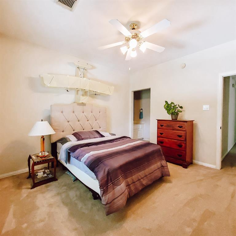 Active   127 S Bluff Creek  Circle The Woodlands, TX 77382 21