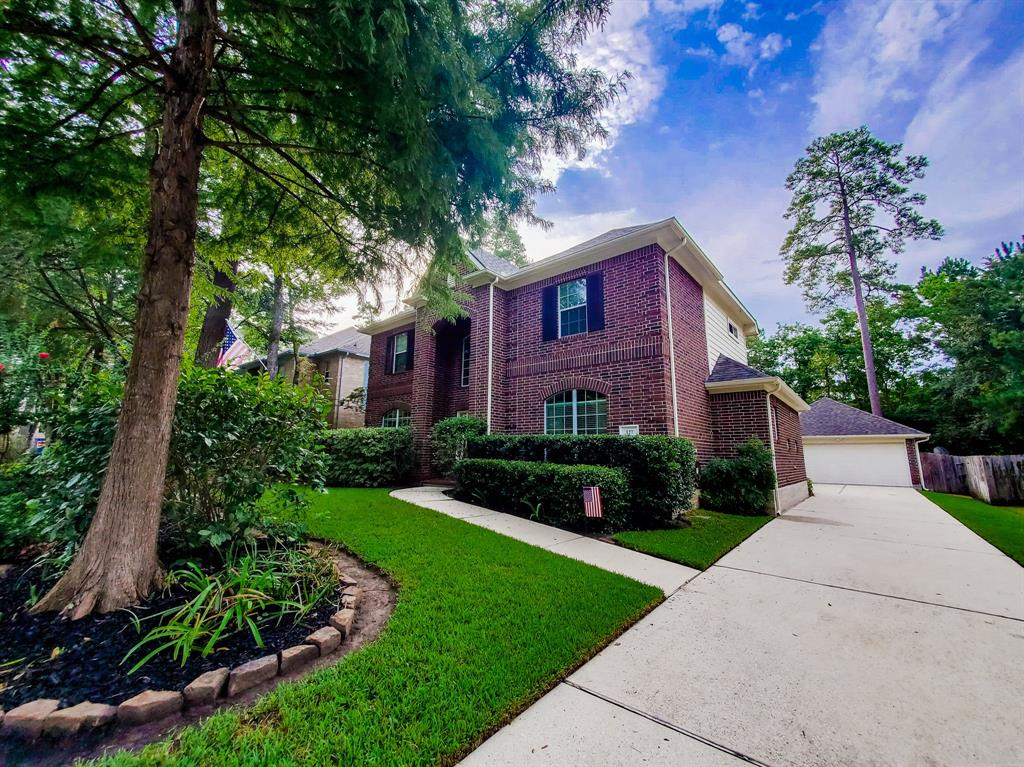 Active   127 S Bluff Creek  Circle The Woodlands, TX 77382 26