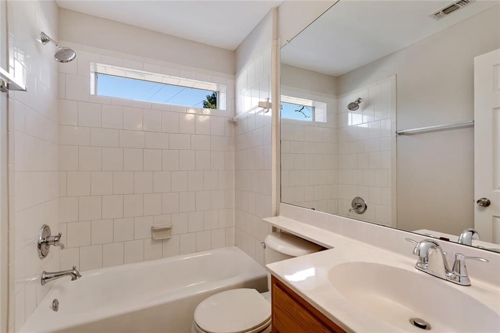 Sold Property | 156 Shadow Oak Drive Bastrop, TX 78602 12