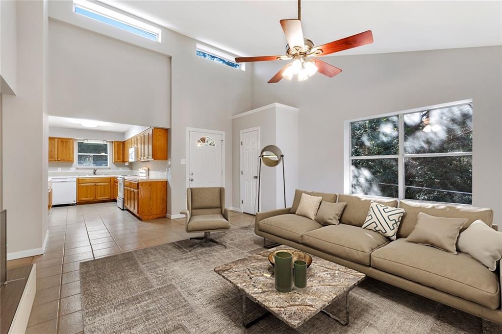 Sold Property | 156 Shadow Oak Drive Bastrop, TX 78602 2