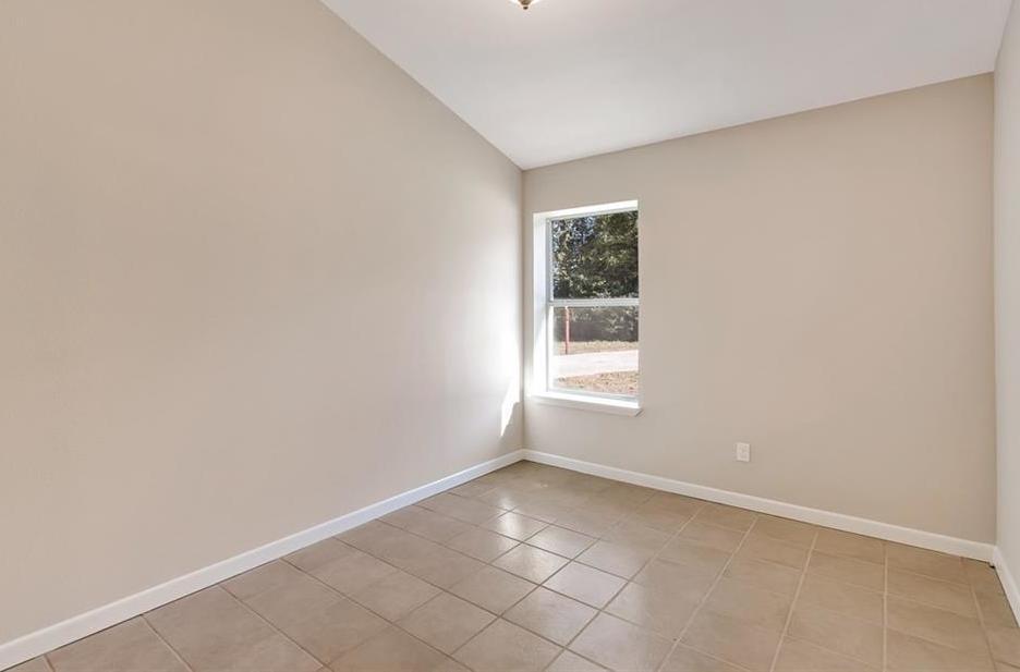 Sold Property | 156 Shadow Oak Drive Bastrop, TX 78602 3