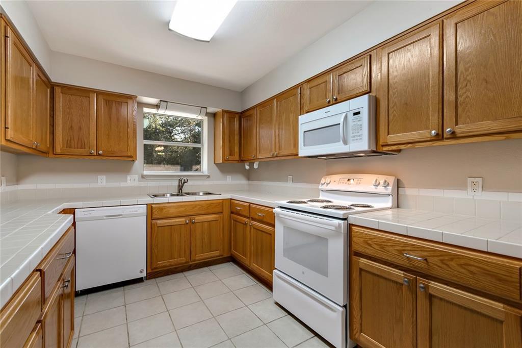 Sold Property | 156 Shadow Oak Drive Bastrop, TX 78602 5
