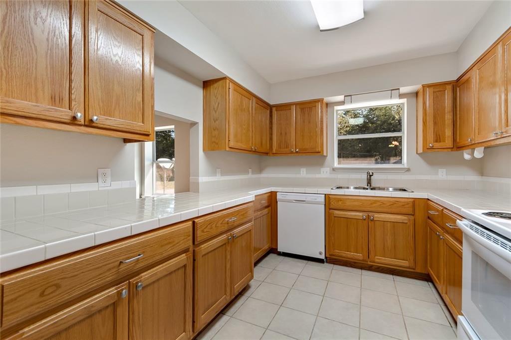 Sold Property | 156 Shadow Oak Drive Bastrop, TX 78602 6