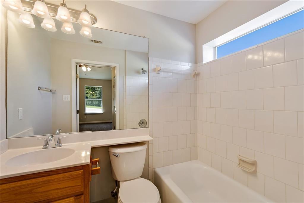 Sold Property | 156 Shadow Oak Drive Bastrop, TX 78602 9