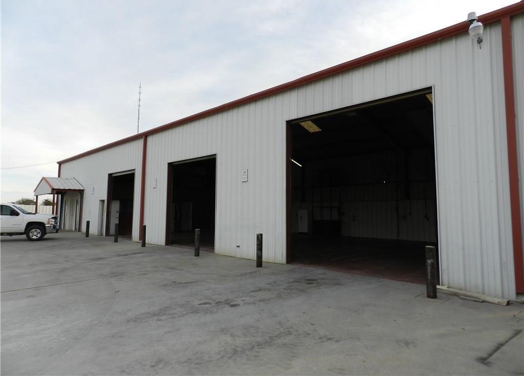 Property for Rent | 707 S Wickham Street Alvord, TX 76225 16